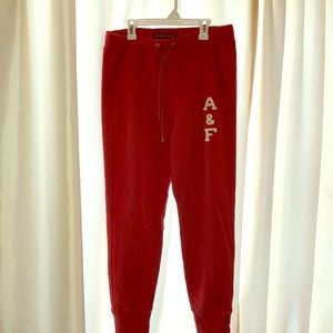 Abercrombie & Fitch Joggers in Red sz M